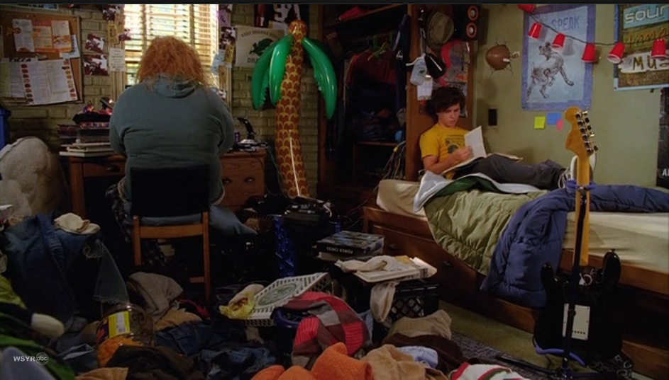 The Middle Axl Dorm Room
